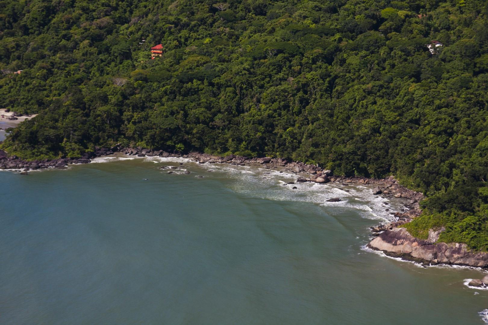 Conheça a Praia do Ìndio em Peruíbe