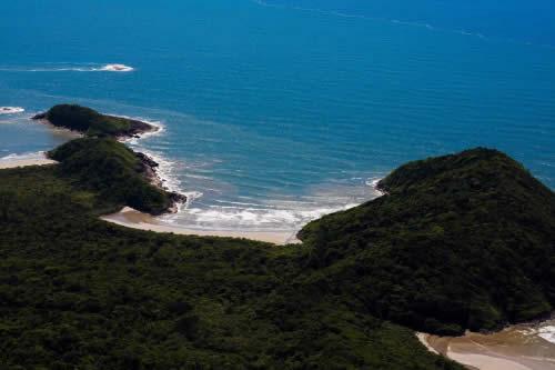 Conheça a Praia Brava em Peruíbe