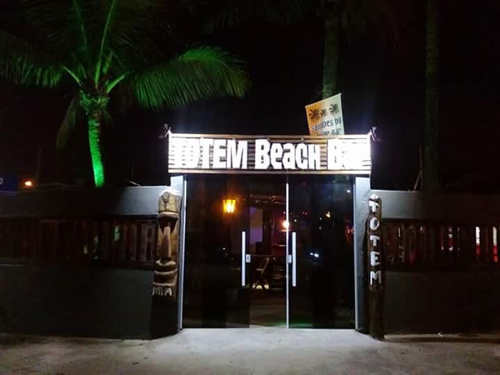 Totem Beach Bar